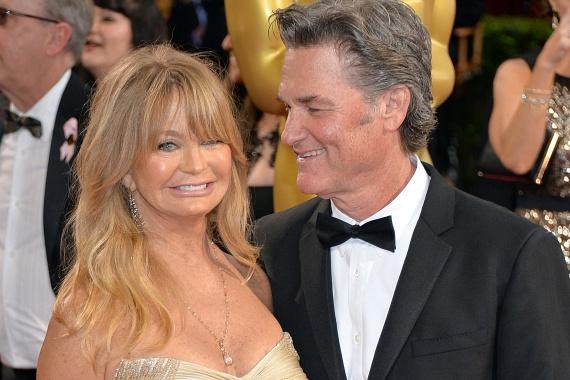 Kevesen tudják, hogy Kurt Russell felesége, a gyönyörű Goldie Hawn is magyar gyökerekkel rendelkezik. Édesanyja a Goldie nevet is azért választotta neki, mert az Aranka fordításának vélte.