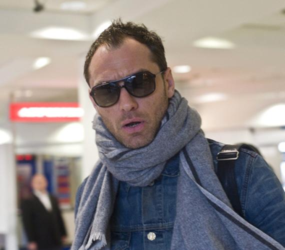 Jude Law már szombaton hazánkba érkezett, ő is a Spy-ban játszik.