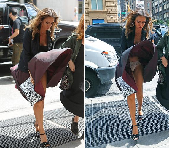 Jessica Albával sokkal kínosan történt, amikor a szél szó szerint a nyakába fújta az amúgy térd alá érő szoknyáját.