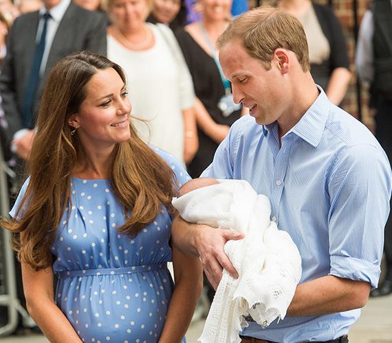 2012. december 3-án a királyi pár bejelentette, első gyermeküket várják. Érdekesség, hogy hamarabb tették ezt meg, mint ahogy azt a hagyomány megkívánta, ugyanis Katalint olyan erős reggeli rosszullétek gyötörték, hogy kórházba került, ahonnan hamar eljutott a terhességéről szóló pletyka a nyilvánossághoz. A kis György herceg 2013. július 22-én született.