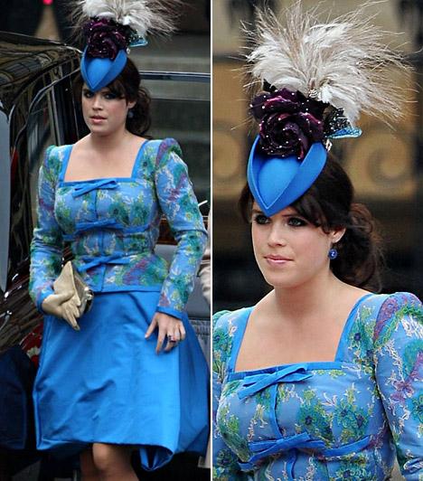 Eugenie hercegnő                         A fiatal hercegnő egy igencsak feltűnő, mintás Vivienne Westwood tervezte ruhakölteményben jelent meg, de kalapja sem volt szolidabb - hatalmas tollak díszítetteék.