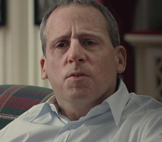 A humoráról ismert Steve Carell drámai oldalát is megmutatta a Foxcatcher című filmben, első ránézésre meg sem lehet ismerni a színészt.