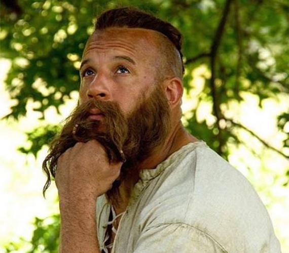Vin Dieselt kopaszon és tökéletesen borotváltan ismertük meg, ezért furcsa most mohawk frizurával és hosszú, bozontos szakállal látni.