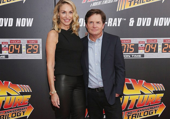 Michael J. Foxot elkísérte a felesége, Tracy Pollan is, akivel 1988 óta házasok, a Vissza a jövőbe második részében már együtt voltak.