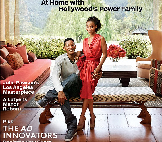 A magazin címlapján a 42 éves Will Smith és 39 éves neje, Jada pazar nappalijukban pózolva invitálják otthonukba a kedves olvasót.